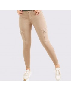 Jeans tipo cargo Beige