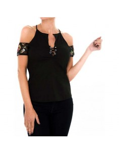 Blusa Off Shoulder Ojaletes